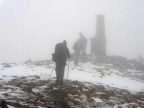 Nejvyšší vrcholy Západních Tater mají přes 2000 m n.m., a tak i v létě není neobvyklé, že se objeví sněhové přeháňky.