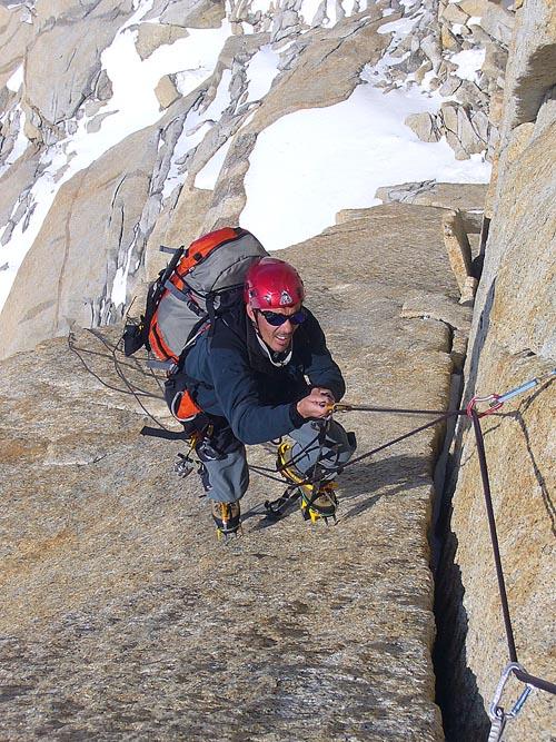Hudy jümaruje skalní délku na Franco-argentinské cestě.