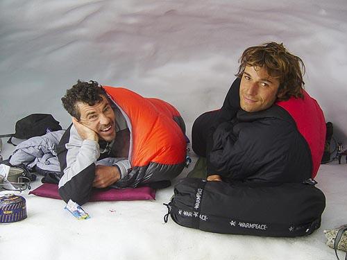 Hudy s Tomajdou v ledové jeskyni po výstupu.