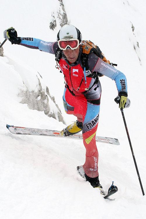 Vyhrál světový pohár i se zlomenou lyží