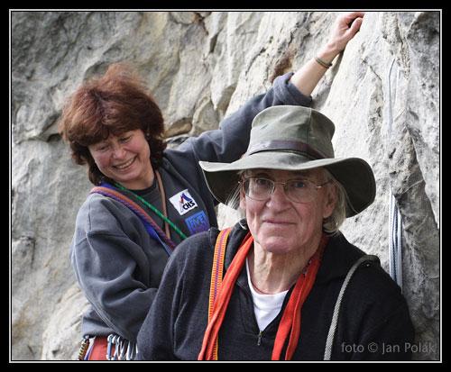 Doug Scott na štandu s Alenou Čepelkovou