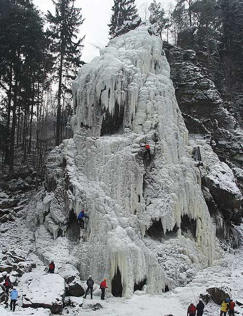 Umělá ledová stěna Vír