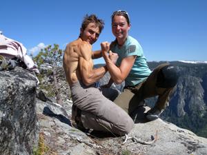 Novomanželé Ueli a Nicole Steckovi na vrcholu