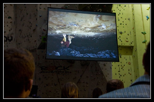 <!--Chris Sharma - SmíchOff-->Chris ve Fintess the Witness
