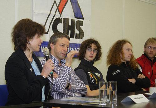 Tisková konference ČHS v únoru 2008. Alena Čepelková, Pavel Bém, Adam Ondra. Dušan Janák, Vašek Šatava