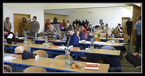 VH2010 - účastníci se scházejí
