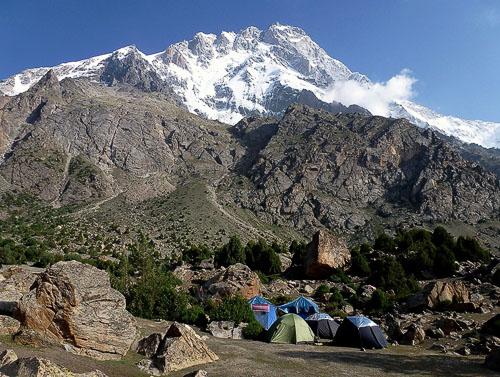 Základní tábor pod Nanga Parbatem