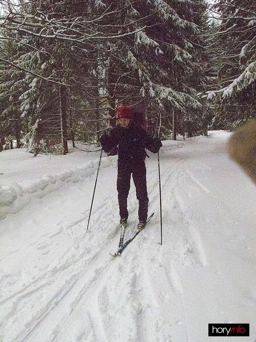 Trošku se nám pletou lyže