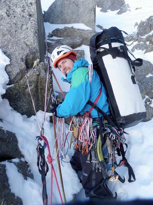 Lehčí skalní a všechny ledové délky jsme lezli s haulbagem
