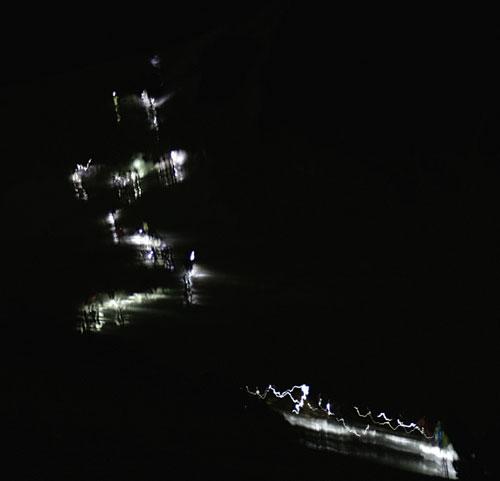 Noční had stoupá k Mont Blancu