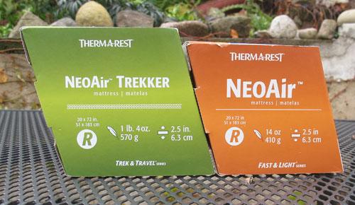 Rozdíl velikosti Neoair Trekkeru (vlevo) a Neoair