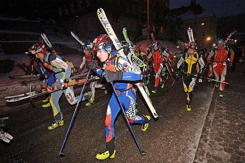Noc tuleních pásů, start závodu