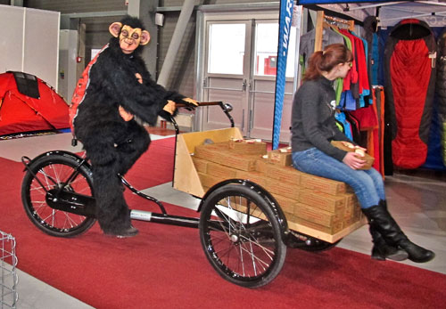 Šimpanz na kole