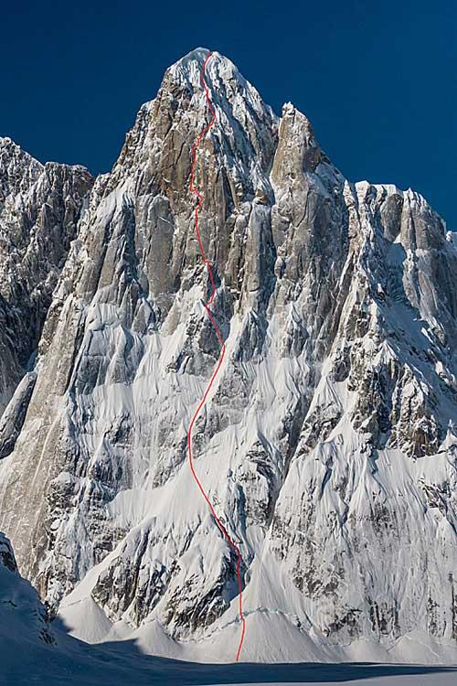 Mooses Tooth - David Lama a Dani Arnold udělali v dubnu 2013 novou cestu 'Bird of Prey' na Mooses Tooth na Aljašce