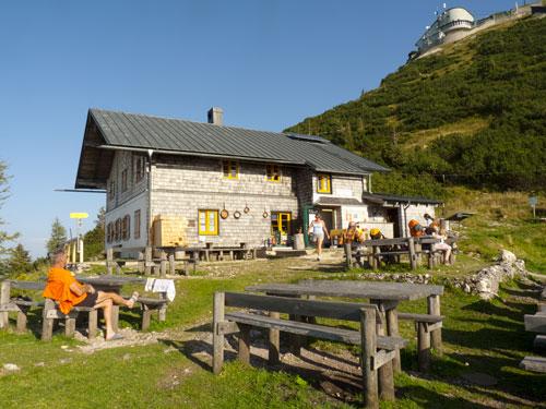 Zeppezauerhaus, nahoře horní stanice lanovka
