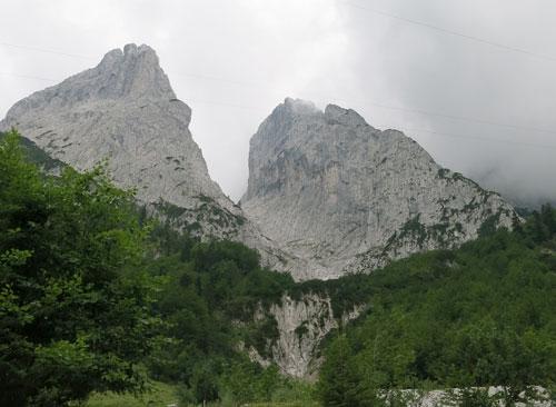 Zleva Predigtstuhl, Steinerne Rinne a Fleischbank