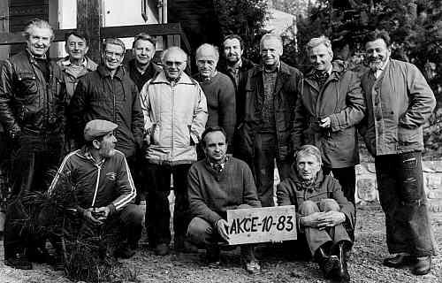Akce 1985, Mirčan stojí druhý zprava