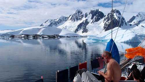 20. Pak že je Antarktida ledničkou země.