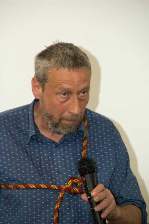 Jan Šlechta se zlískal sponzorským pivem a jeho představení coby kandidáta byla spíš humorná kulturní vložka