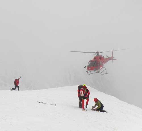 Vrtulník odváží zachránce na Franz-Josefs-Höhe