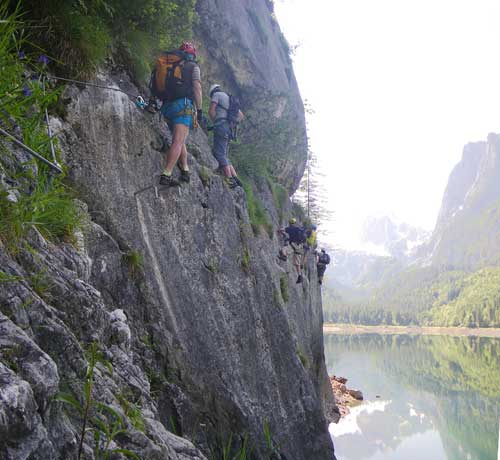 Dlouhý traverz (Nasenquerung) nad hladinou jezera