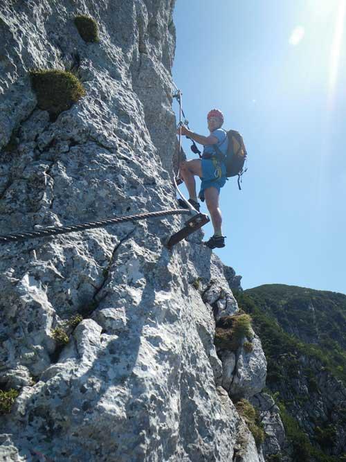 Klettersteig Katrin - Michal se dostává na vzdušnou hranu