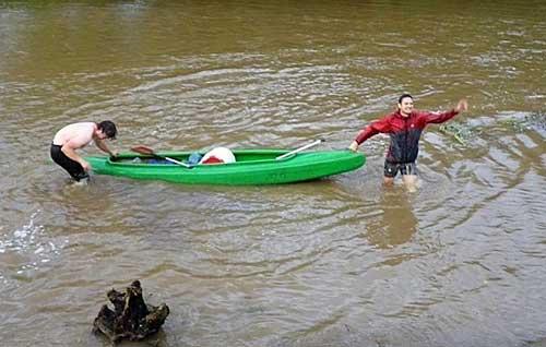 Družstvo Hastrmanů a jejich představa o vodních sportech