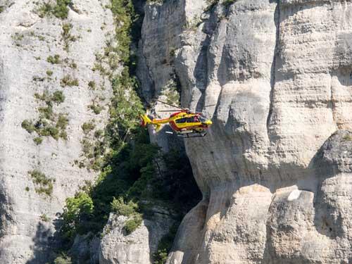 vrtulník u Katedrály