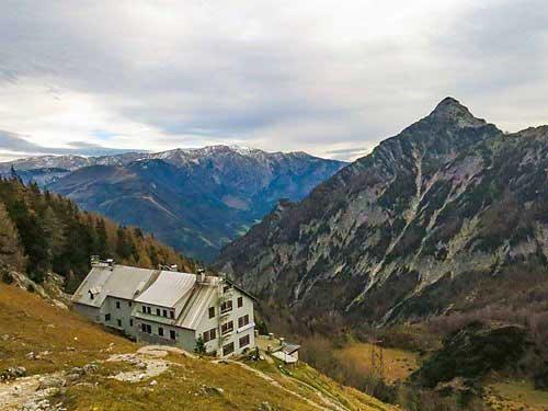 Winterraum Prielshutzhausu nabízí parádní komfort, 8 míst a šest spolunocležníků:-)