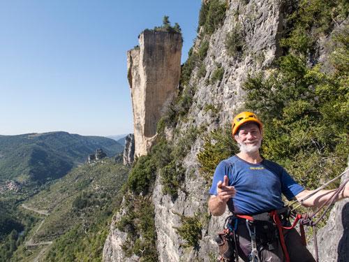 Gorges du Jonte, Rocher Decolée za zády