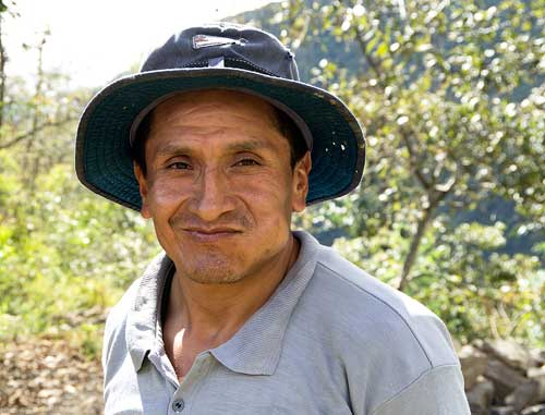BOLIVIA, 13.6.–14.7.2013 - Takesi Trek, 3rd day. Sedlo ~2635. Žvýkání koky.