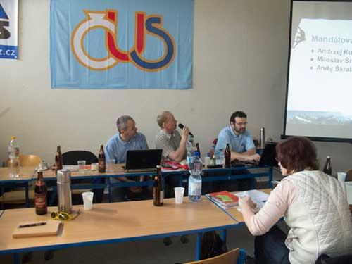 VH2015 Šimon Budský, Petr Resch a Honza Bloudek, volba mandátoví komise