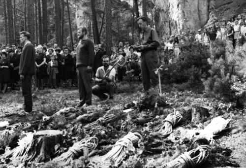 Panychida, sobota 11 června 1970, patnáct lan