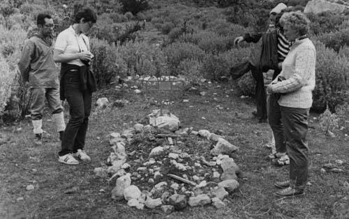 Peru 72, hrob Ládíka Mejsnara, vlevo předseda CAP Alfredo de Arroyo