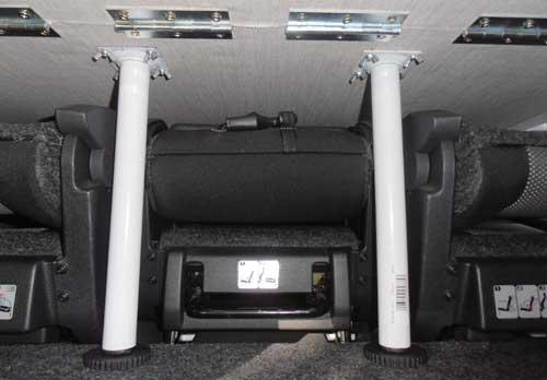 Roomster postel - podpěry jdou mezi sedadla