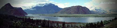 Údolí Skardu s řekou Indus