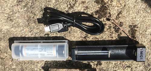 Akumulátor s nabíječkou nutno koupit zvlášť