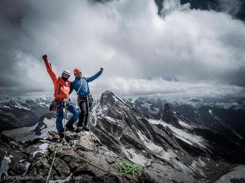 Stephan Siegrist a Dres Abegglen na vrcholu Tupendeo 5700 m.n.m. po úspěšném výstupu s Thomasem Senfem na tuto horu