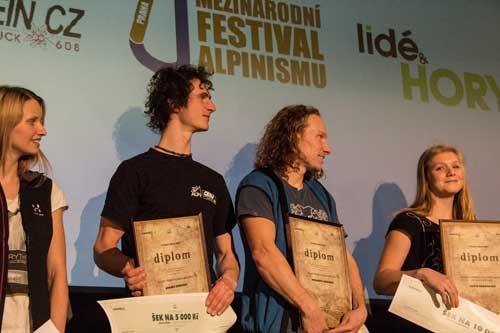 Cena za nejlepší alpský výstup 2015: Lucka Hrozová, Adam Ondra, Dušan Janák a Eliška Adamovská