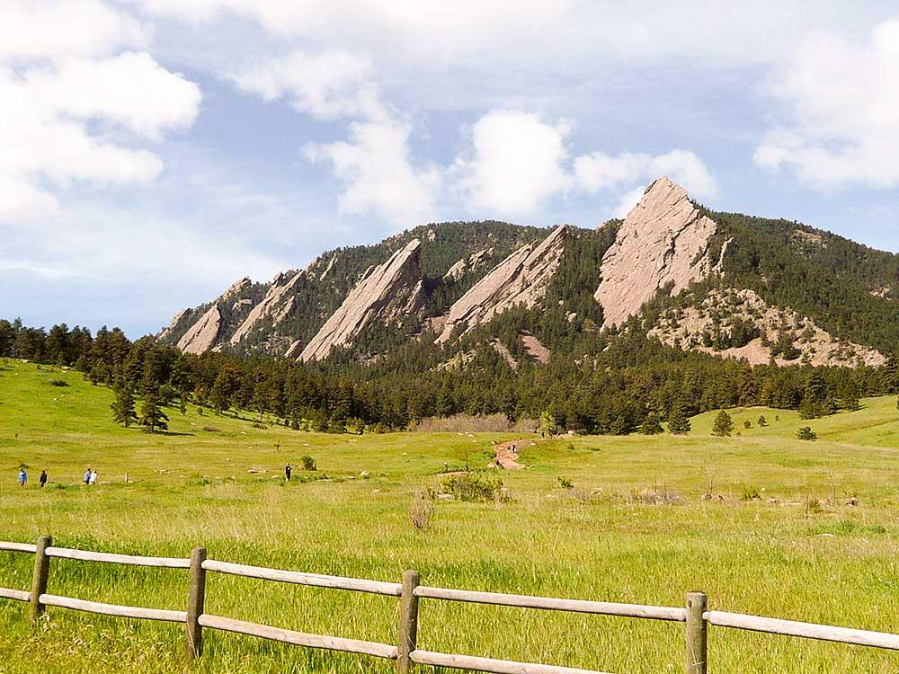 Colorado - plotny Flatirons nedaleko Denveru