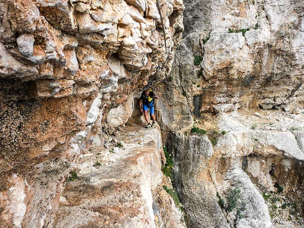 Lezenie na ferrate Cabirol je naozaj exponované a s úžasnými výhľadmi.