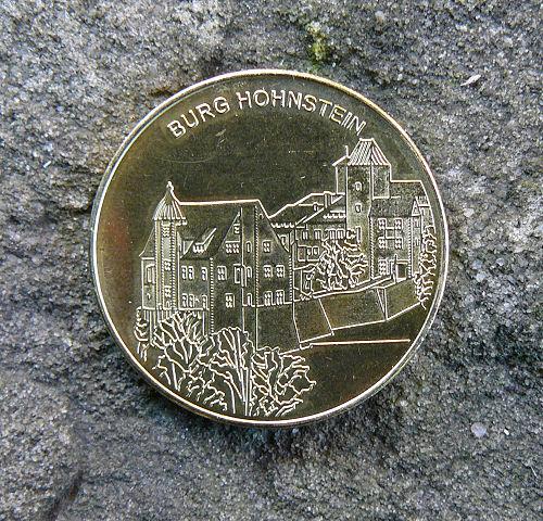 Burg_Hohnstein_suvenyr_mince_2_Euro