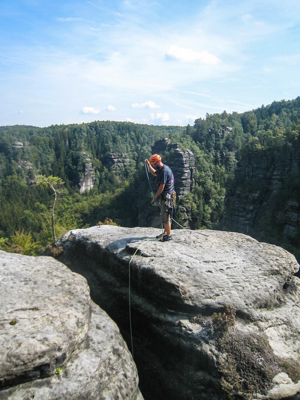 Dnešní turistiky nebylo dost. Cestou ke Gipfelbuchu poznáte podstatný kus vršku Heringsteinu.