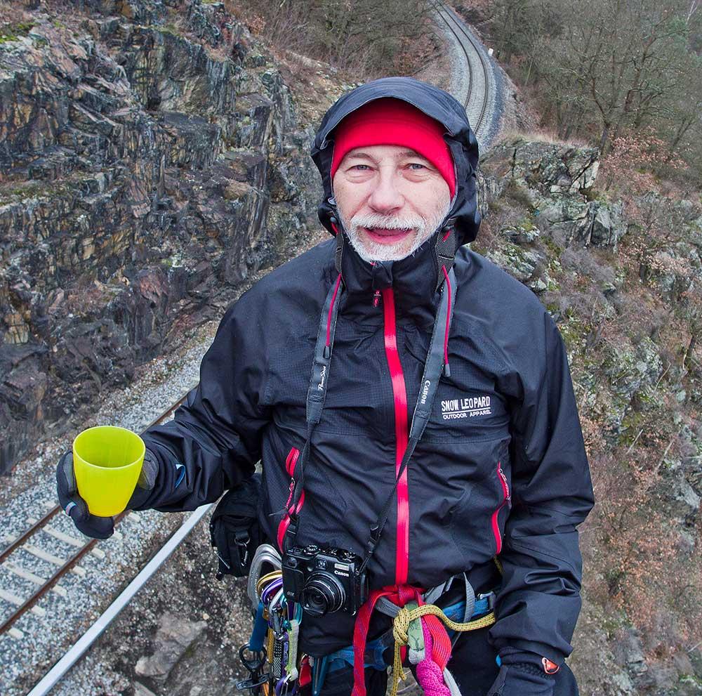 Testování lezením v dešti a sněžení na Pikovické jehle