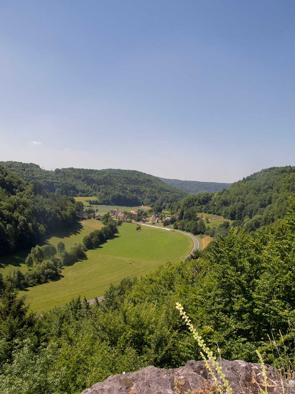 Rozhled do údolí Jeleího potoka