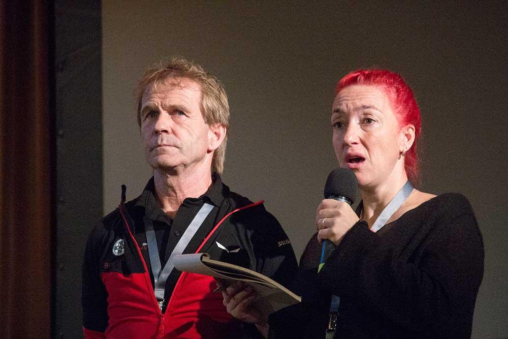 Peter Veider s tlumočnicí Sitařovou.