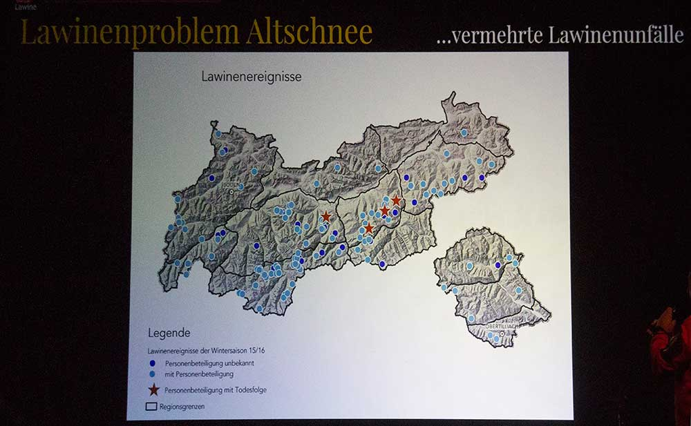 Mapa lavin v sezóně 15/16 a jejich následků. Hvězdička jsou oběti na životech.