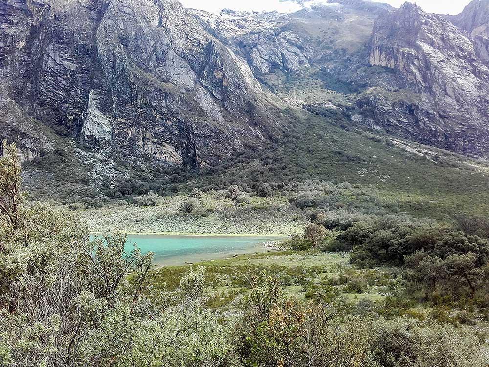 Suťový kužel laviny pod Huascaránem