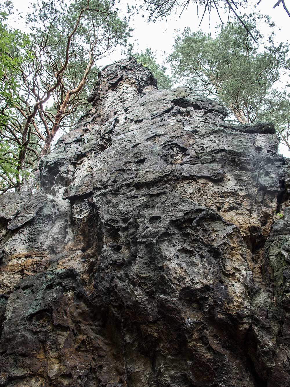 Slavibor, údolní stěna
