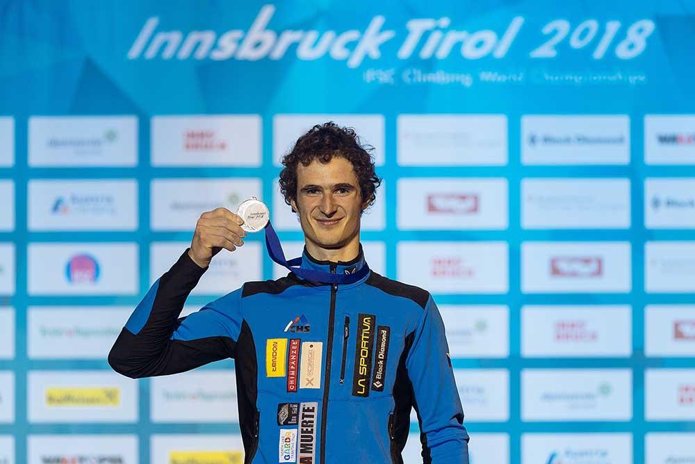 Šťastný s medailí